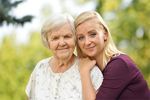 caregiver-with-elderly-woman