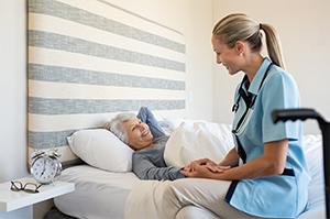 nurse-and-elderly-lady-conversing